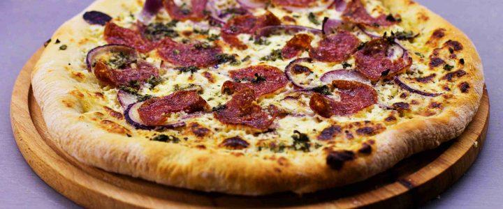 Tři bílé pizzy