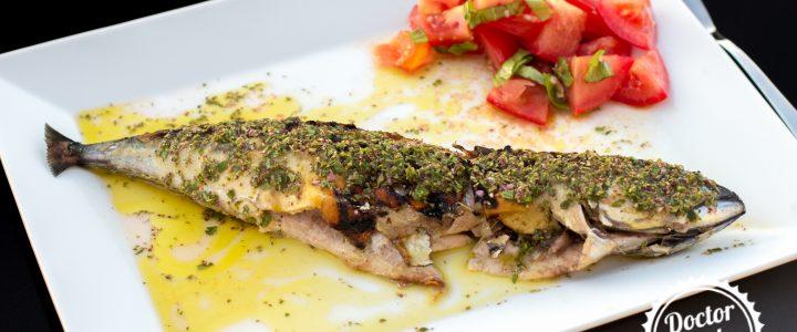 Grilovaná makrela salmoriglio